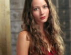 "Amy Acker turns into 'hot' Hollywood tv star thanks to ""Person of Interest"""