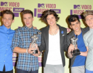 One Direction beats Carly Rae Jepsen for Top New Artist at Billboard Music Awards