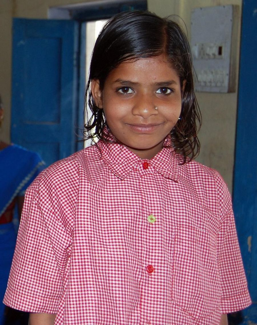 Homeless Girl With New Clothes At Rj Std